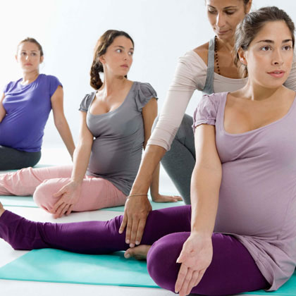 group-of-pregnant-women-photo-420x420-ts-86534101